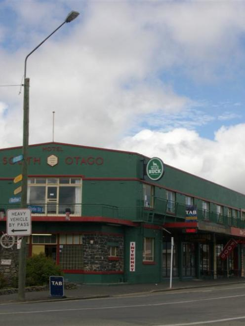 The Hotel South Otago in Balclutha. Photo by Hamish MacLean.