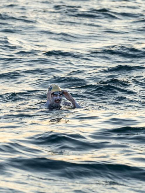 Sarah Thomas pauses during her swim in the English Channel. Photo: Twitter via Reuters