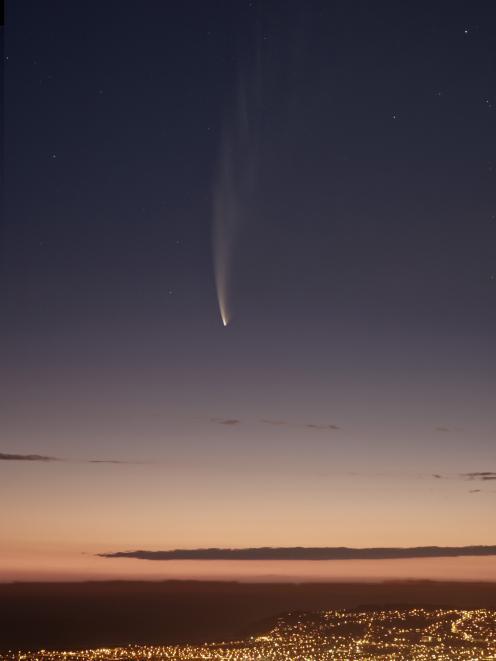 Comet McNaught over Dunedin. Photo: Stephen Voss