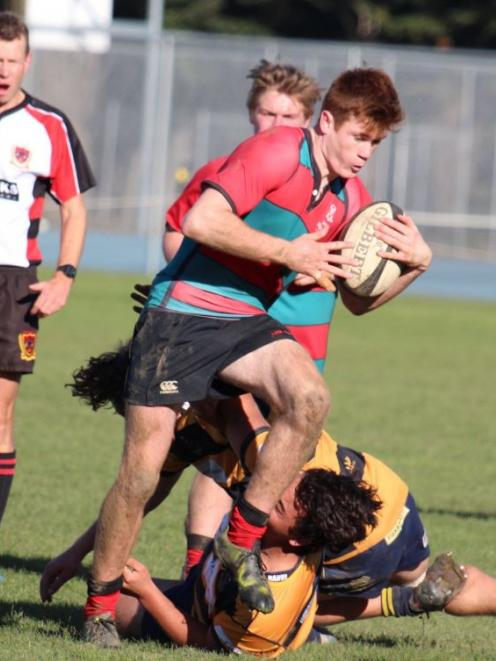 Lincoln Combined captain and midfielder Wil Gualter was named under-18 player of the year at the Ellesmere Rugby Awards.