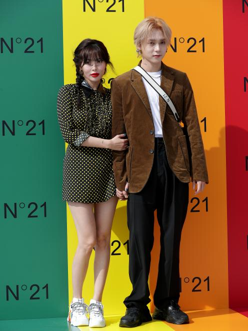 K-pop couple HyunA and E'Dawn, who often match their eyeshadow. Photo: Getty Images