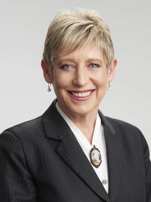 Lianne Dalziel.
