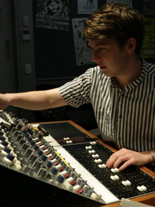 MAINZ Audio Engineering  and Production alumnus Claud Vause