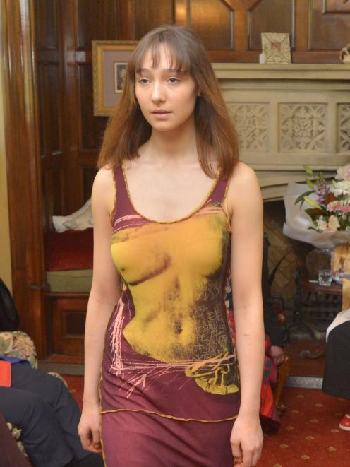 Jessica Clark, from Aart Model Management, wears John Paul Gaultier, an unforgettable evening...
