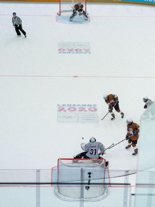Axel Ruski-Jones in action in the 3x3 ice hockey in Lausanne. Photo: Getty Images