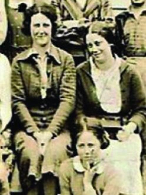 Grace Low (right), pictured sitting beside her mother, died in the Seacliff Mental Hospital fire. Photo: Supplied