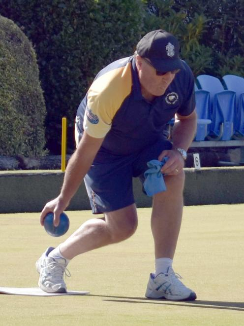 Former Otago rugby player Dave Callon delivers a shot for the Oliver Mason-skipped Forbury Park...