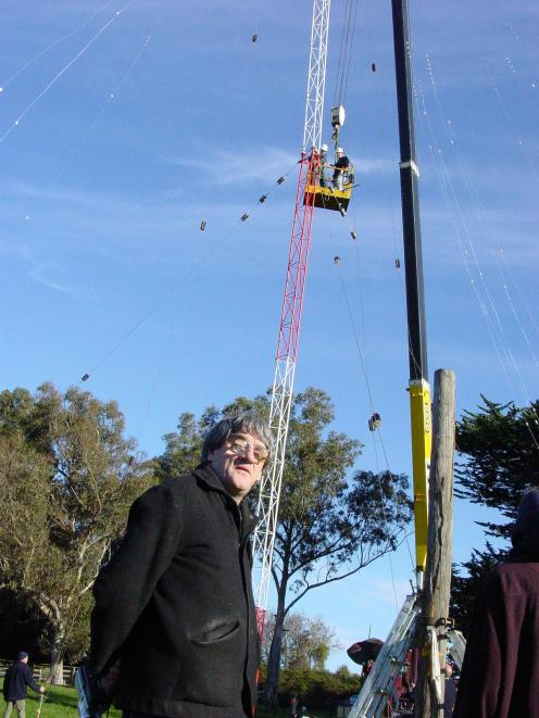 Sections of a new aerial installed for Palmerston's Radio Puketapu are bolted together in 2007....