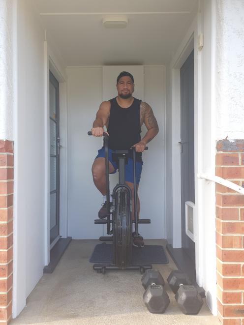 Otago and Southern prop Hisa Sasagi keeps fit while in lockdown at home. PHOTO SUPPLIED