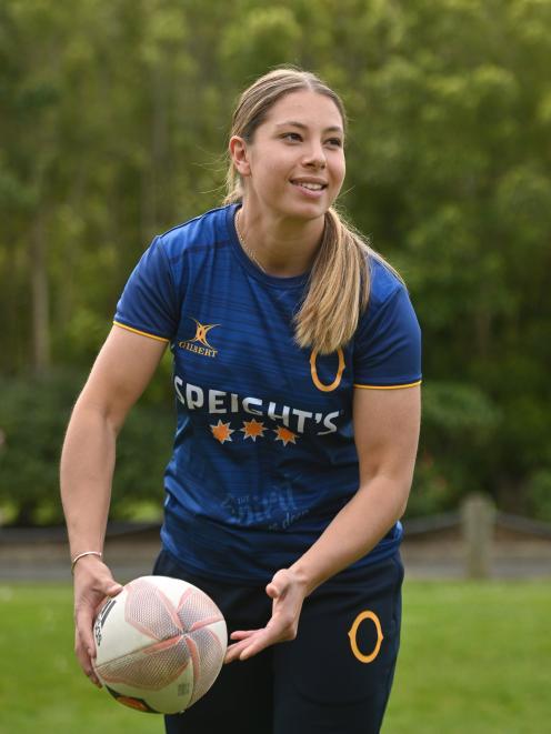 Otago Spirit centre Amy du Plessis passes a ball at Logan Park yesterday. PHOTO: LINDA ROBERTSON