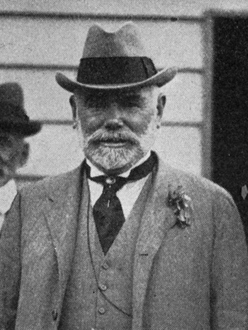 Sir Thomas Mackenzie during his tour of ...