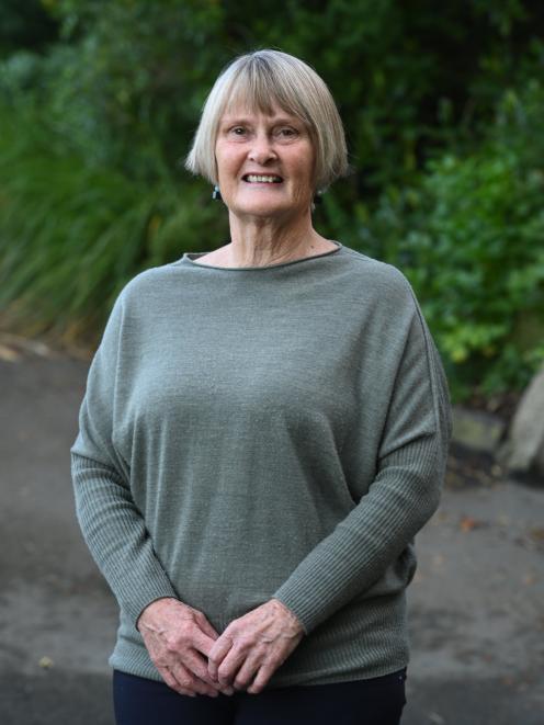 Linda Janet Robertson