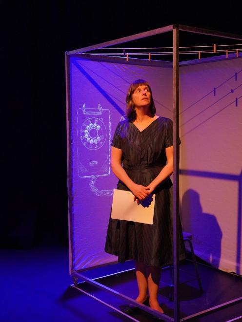 Klaasz Breukel has created a ''box'' to wrap around Baanvinger as she tells the story.