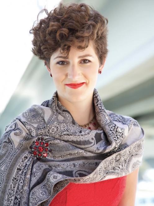 Tessa Romano: Mezzo-Soprano