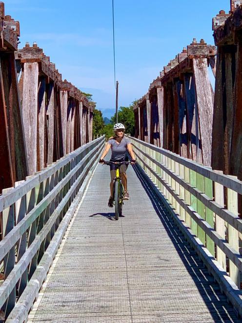 The Totara River truss bridge.