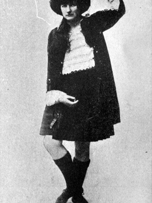 Edna Gray, of Dunedin.  — OtagoWitness, 4.10.1921