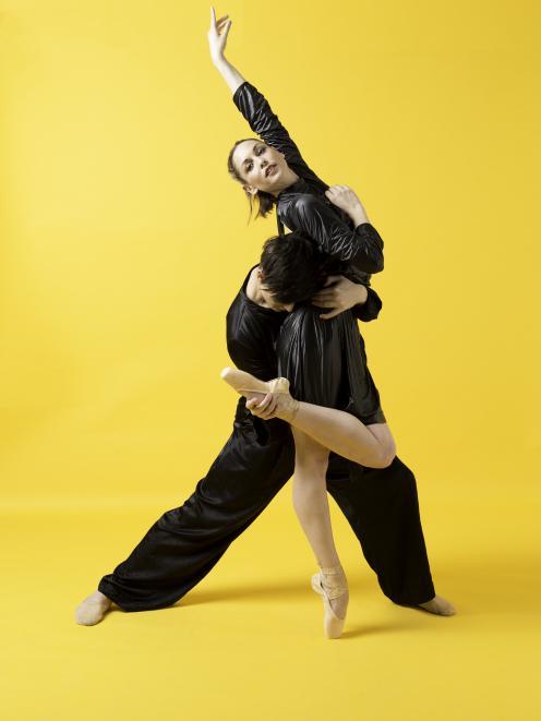 Subtle Dances by BalletCollective Aotearoa. Photo credit Celia Walmsley Stagebox Photography
