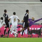 Ashley Williams scores for Swansea. Photo: Reuters