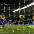 Chelsea's Frank Lampard (L) shoots and scores against Wolverhampton Wanderers during their...