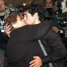 Diego Maradona kisses his mother Dalma in Buenos Aires in this August 15, 2005 file photo. ...