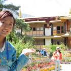 Guide Wang Mu takes us around Norbulingka Palace, the Dalai Lama's one-time winter residence....