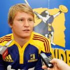 Highlanders' new signing Robbie Robbinson answers questions from the media at the 2010 Super 14...