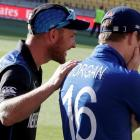New Zealand captain Brendon McCullum (L) with his England counterpart Eoin Morgan at the post...