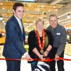 Opening the Countdown supermarket in Frankton this morning are (l-r) Clutha-Southland MP Todd...