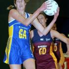 Otago shooter Jessica Tuki gets in front of Southland defender Kylie Young during a national...