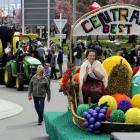 """Princess Sarah Rillstone waves from the Alexandra and Dunstan Lions Club's """"Central's Best"""" float..."""