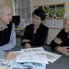 Prof Margaret Wu, from Melbourne, (centre) talks to Wakari School principal Brent Caldwell and...