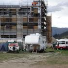 Tents and mobile homes at the Ramada Hotel construction site in Frankton. Photo by Guy Williams.
