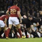 Richie McCaw in action during the All Blacks' 62-13 demolition of France. Photo by Reuters