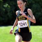 Shireen Crumpton wins the Otago women's 10,000m title. Photos by Peter McIntosh.