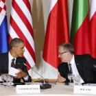 United States President Barack Obama (left) and Polish President Bronislaw Komorowski co-host a...