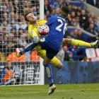 Swansea keeper Lukasz Fabianski saves an effort from Leicester City's Riyad Mahrez. Photo Reuters