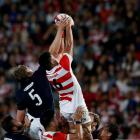 Japan's Hendrik Tui (R) and Scotland's Jonny Gray compete for  the ball in a lineout. Photo Reuters