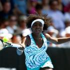 Venus Williams plays a forehand against Caroline Wozniacki. Photo Getty Images