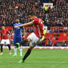 Ander Herrera scores Manchester United's second goal against Chelsea. Photo: Getty Images