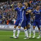 Nemanja Matic celebrates scoring their fourth goal with team mates. Photo: Reuters