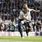 Harry Kane scores for Tottenham against Bournemouth to bring up his 20th goal of the season....