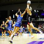 Mystics goal keep Anna Harrison defends Ariana Cable-Dixon of the Waikato-Bay of Plenty Magic...
