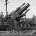 With the British Army on the Western Front: getting the big gun nicknamed ``Granny'' ready to fire at the German lines. - Otago Witness, 13.6.1917