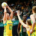 Australia goal shoot Caitlin Thwaites shoots against South Africa. Photo: Getty Images