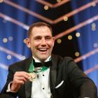 Cameron Smith with the Dally M medal at last night's awards ceremony. Photo: Getty Images