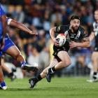 Shaun Johnson makes a run during 2017 Rugby League World Cup match between the New Zealand Kiwis...