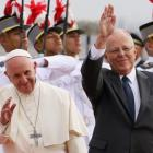 Pope Francis and Peru's President Kuczynski wave, in Lima. Photo: Reuters