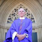 Bishop-elect Fr Michael Dooley welcomes Pope Francis' call for the church to be ``bruised,...