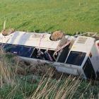 The overturned bus near Sanson. Photo: RNZ Pacific / Walter Zweifel