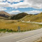 The crash occurred near the Lindis Pass.